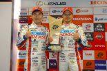 今季初勝利を飾った小林可夢偉とヘイキ・コバライネン