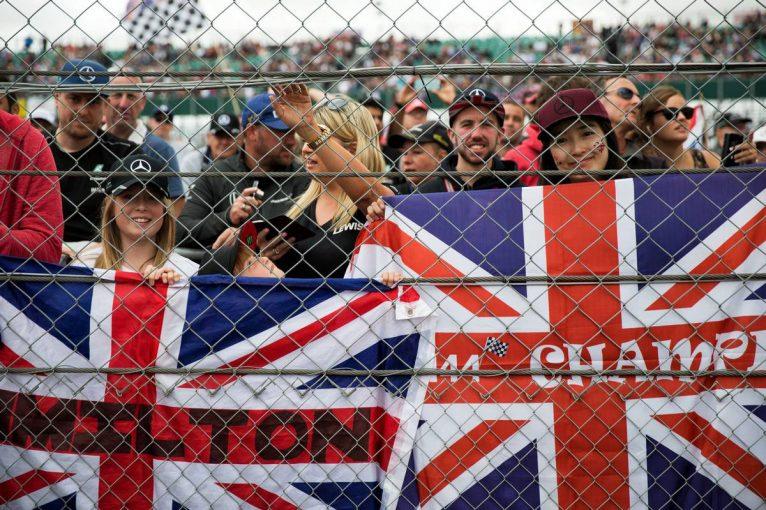 F1 | オーバーテイク促進を狙うFIA、シルバーストンの高速コーナーに3カ所目のDRSゾーンを設置