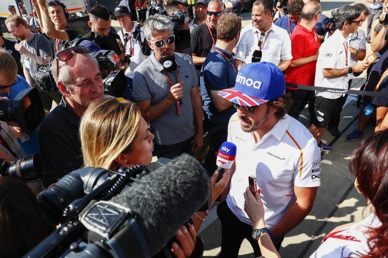 F1   アロンソ「中団の序列は変わらないが、少しでもQ3に近づきたい」:F1イギリスGP金曜