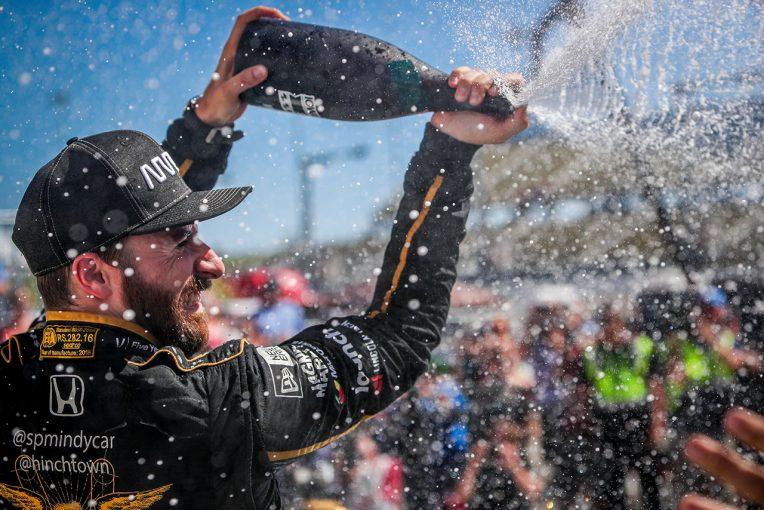 海外レース他 | インディ第11戦詳報:ヒンチクリフが大逆転勝利で雪辱を果たす。琢磨は今季初の3位表彰台