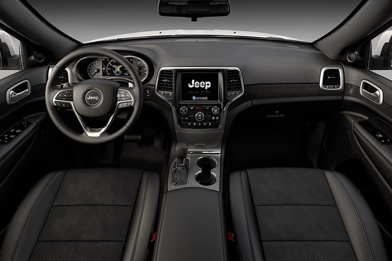 精悍なブラックにエアサス装備の『ジープ・グランドチェロキー』限定車が登場