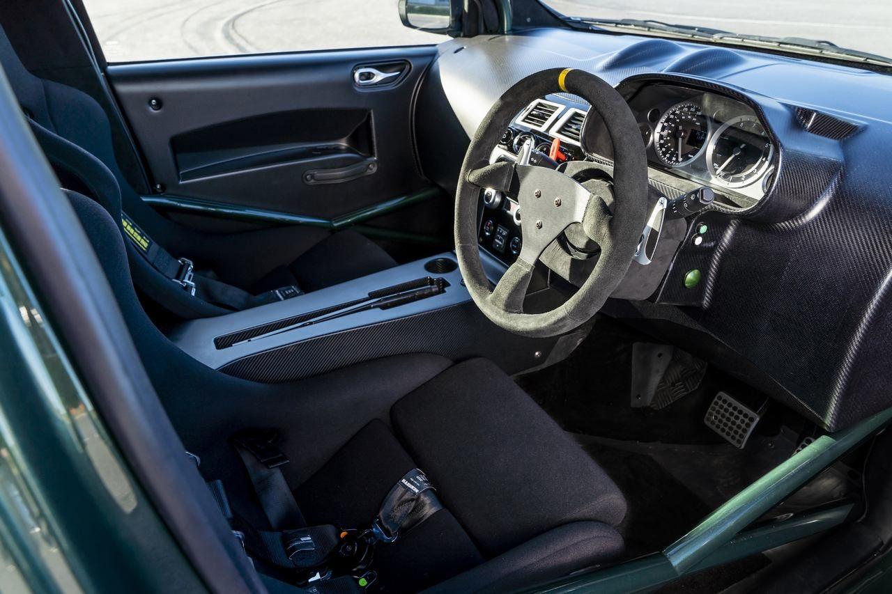 アストンマーチン、436馬力発揮のコンパクト『V8シグネット』をグッドウッドで初公開