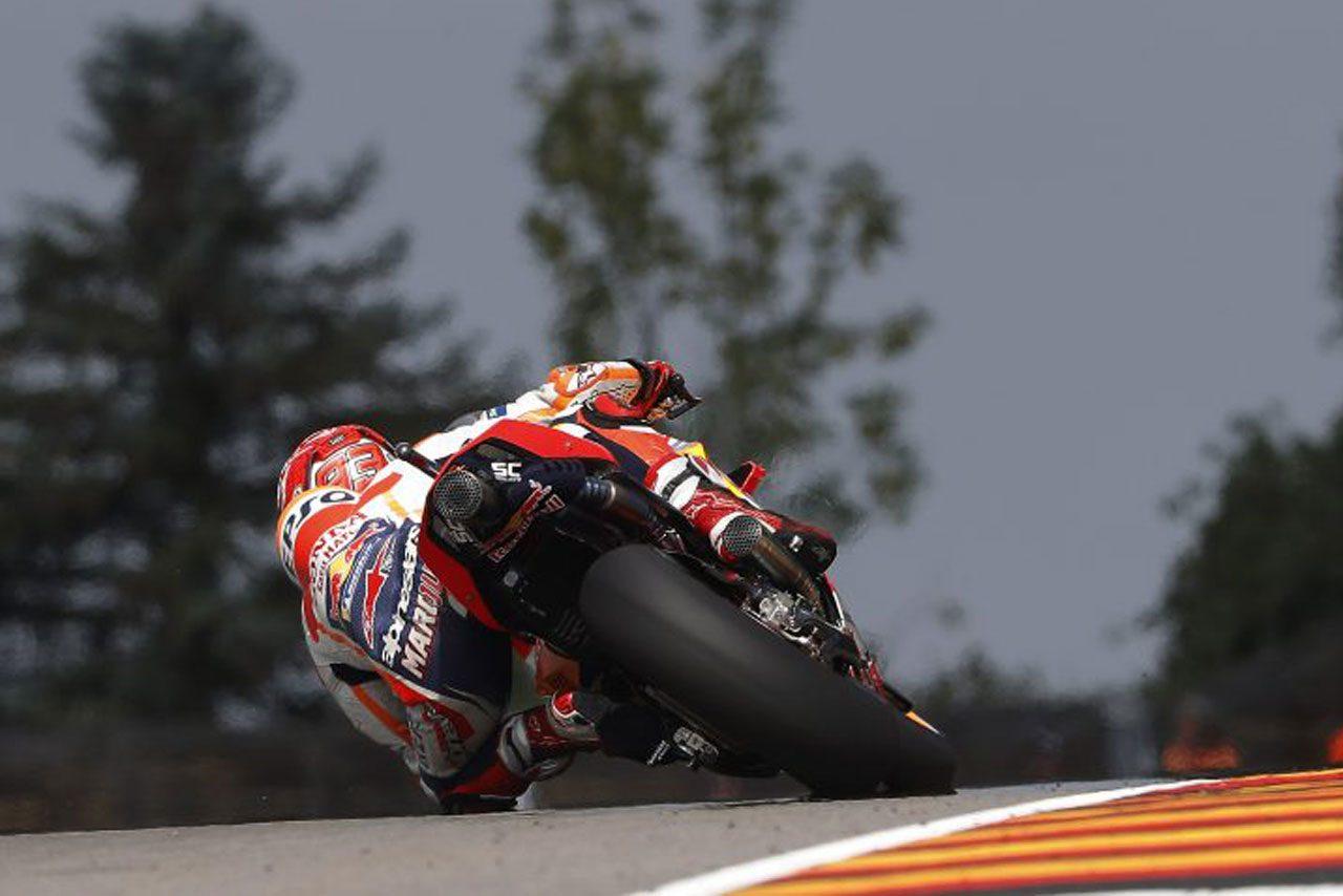 MotoGPドイツGP決勝:マルケスが9年連続ポール・トゥ・ウイン達成。ロッシはベストリザルトの2位表彰台