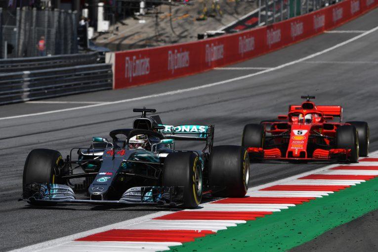 F1   ブリアトーレ、ハミルトンの今季F1タイトル獲得を信じる。「彼はベッテルよりも強い」