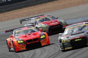 GT300のトップ争いを繰り広げたHitotsuyama Audi R8 LMS、ARTA BMW M6 GT3、GAINER TANAX GT-R