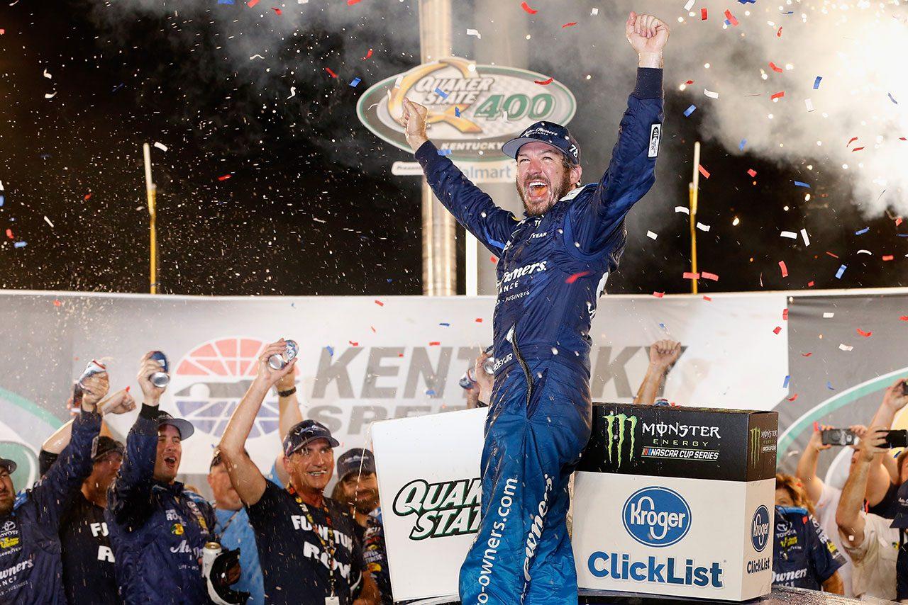 NASCAR第19戦:トヨタのトゥルーエクスJr.がレースを制圧。ケンタッキー2連覇を達成