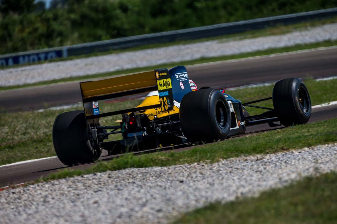 ランボルギーニの手により1992年のミナルディF1が復活! 26年ぶりにレース参戦へ