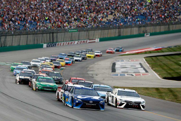 海外レース他   NASCAR:TOYOTA GAZOO Racing 第19戦ケンタッキー レースレポート