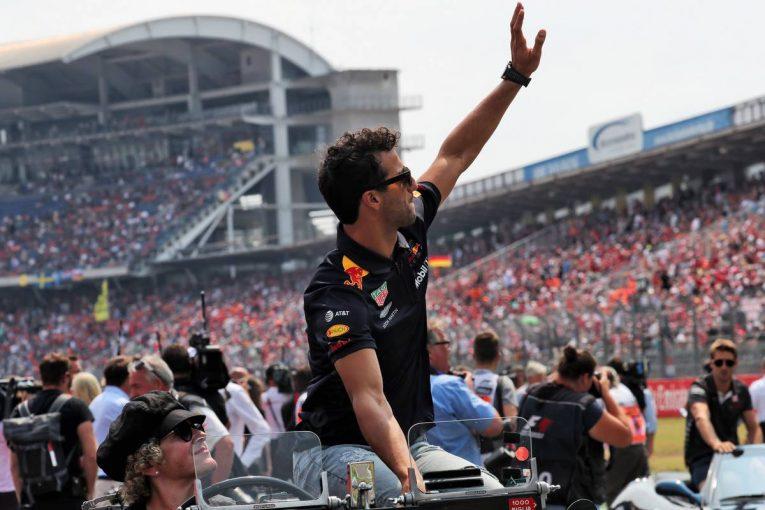 F1   リカルド、レッドブルからルノーに移籍という大きな決断について語る「新たなチャレンジに立ち向かうべき時が来た」