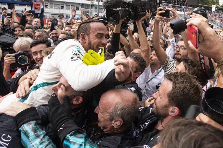 F1   ハミルトン、14番グリッドから優勝「諦めなかったことで実現した、夢のようなレース」:F1ドイツGP日曜