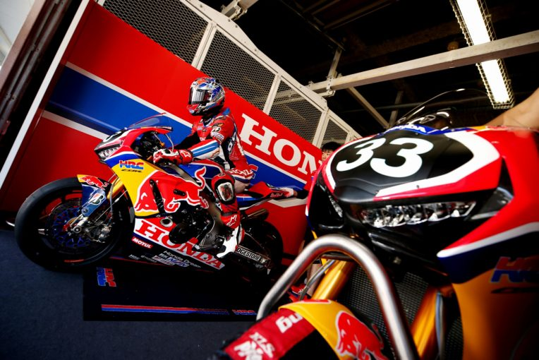MotoGP   10年ぶりの鈴鹿8耐に挑むホンダワークスチーム。3人のライダーに聞いたチームの現状