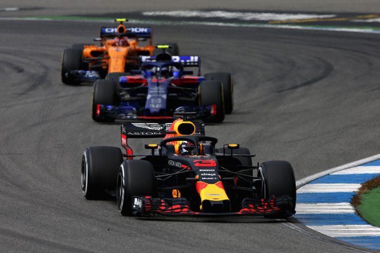 F1 | 「ルノーF1のパワーユニットは標準以下」とレッドブルオーナーが批判。ホンダとの将来に期待かける