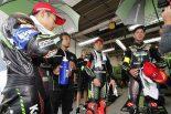 ポールポジションを獲得したKawasaki Team GREEN(渡辺一馬、ジョナサン・レイ、レオン・ハスラム組)
