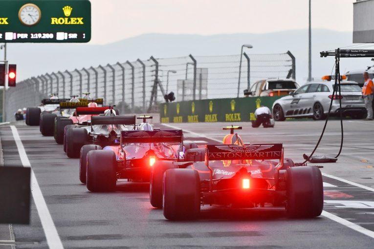 F1   フェルスタッペン7番手「2018年型マシンは雨だとなぜか遅い。決勝でガスリーとサインツは絶対抜きたい」:F1ハンガリーGP土曜