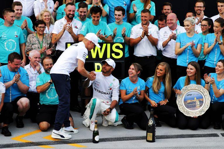 F1   ハミルトンがシーズン5勝目「ボッタスがいなければフェラーリに勝てなかったかもしれない」:F1ハンガリーGP日曜