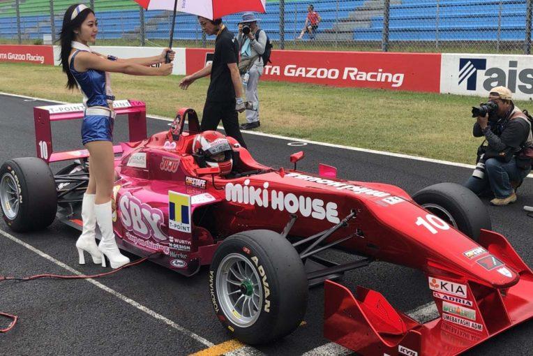国内レース他 | 女子中学生レーサーのJuju、『FORMULA UNDER 17&SENIOR RACE』でF3マシンを駆り優勝を飾る