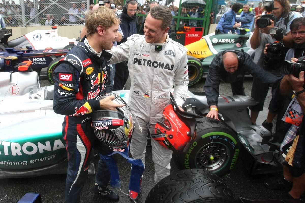 2012年F1ブラジルGP ドイツ人ドライバーのセバスチャン・ベッテル(レッドブル)とミハエル・シューマッハー(メルセデス)
