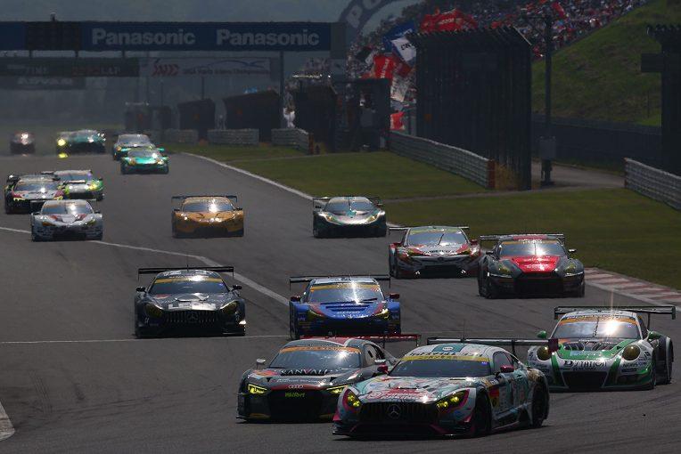 スーパーGT | GT300決勝《あと読み》/長距離耐久レースのなかで、チーム力の強さが出た多彩な作戦バラエティ