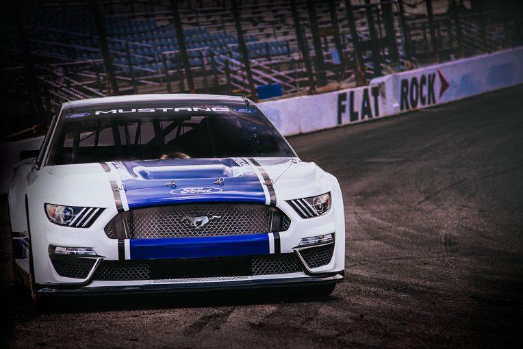 フォードがお披露目したマスタングベースのカップカー