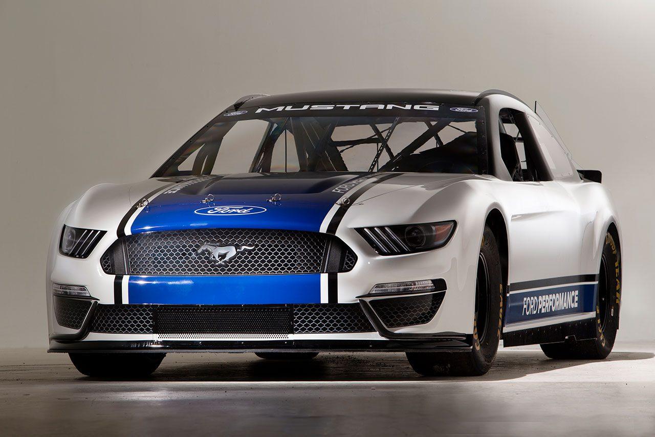 NASCAR:フォード、2019年シーズンに投入するマスタング・カップカーをお披露目
