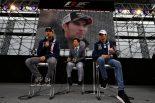 F1   2017年F1日本GP ドライバーズトークショーに参加するフォース・インディアのエステバン・オコンとセルジオ・ペレス