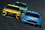 NASCAR第23戦:フォードのハービックが2018年シーズン7勝目。トヨタのカイル・ブッシュが2位