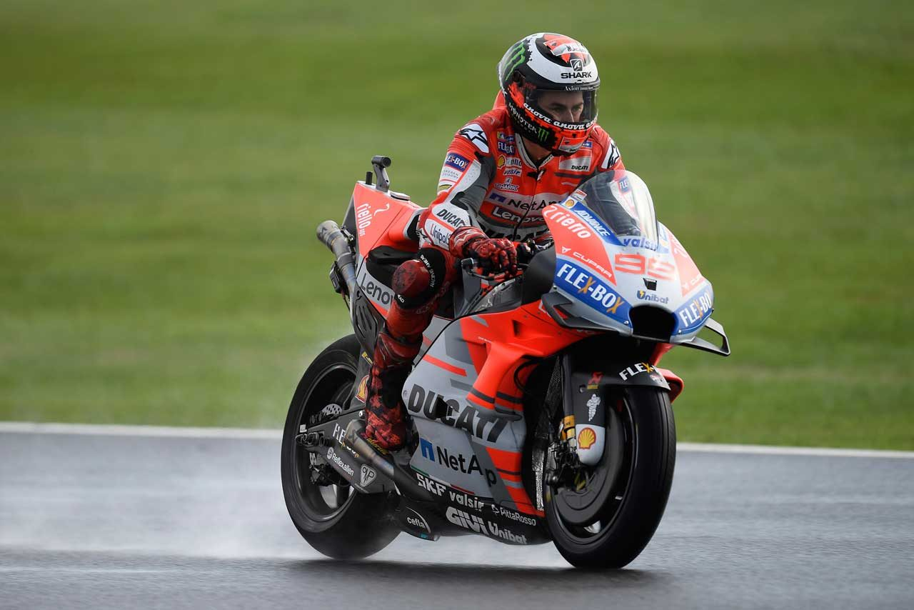 MotoGPイギリスGP予選:ウエット路面を制しロレンソが今季2度目のポール。ヤマハ2台はQ2最下位と苦戦