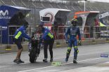 MotoGP | MotoGPイギリスGP:決勝レースが大幅なディレイ。日本時間23時に再度コースチェックし決行を判断