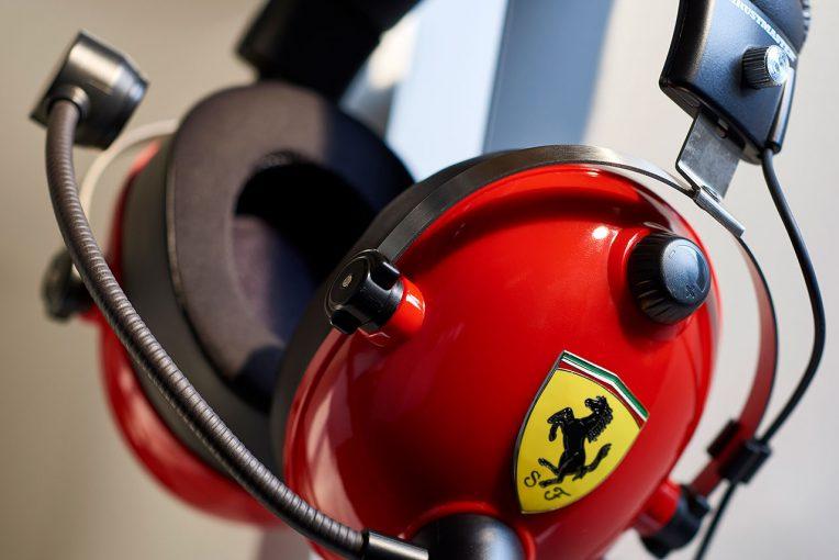 インフォメーション | フェラーリF1のパドックから着想得たゲーミングヘッドセット、スラストマスターから登場
