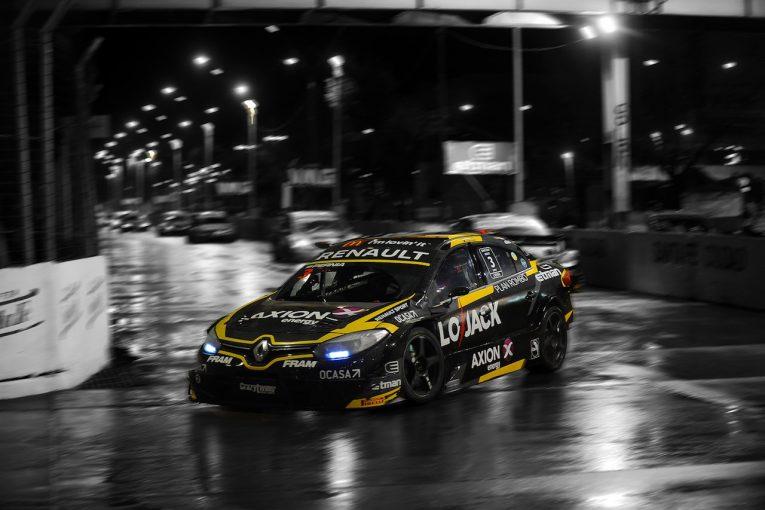 海外レース他 | STC2000第8戦:雨の市街地ナイトレースはルノー・フルーエンスGTが勝利