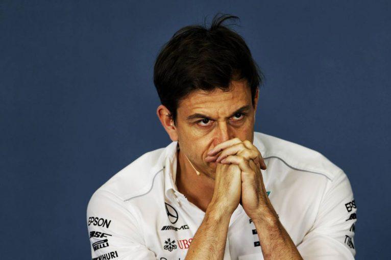 F1 | オコン移籍をめぐり、ルノーとマクラーレンの対応に激怒するメルセデスF1代表