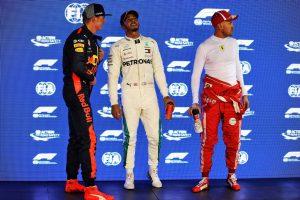 2018年F1第15戦シンガポールGP ポールポジションを獲得したルイス・ハミルトン、2番手マックス・フェルスタッペン、3番手セバスチャン・ベッテル