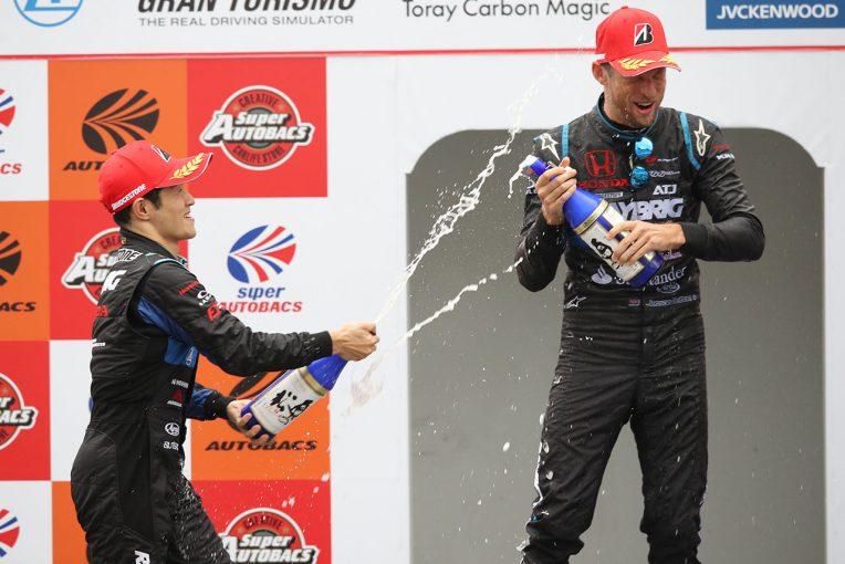 スーパーGT   6年ぶりに勝利したバトン「SUGOについて聞いてきたことはすべて正しかった」/GT500優勝会見