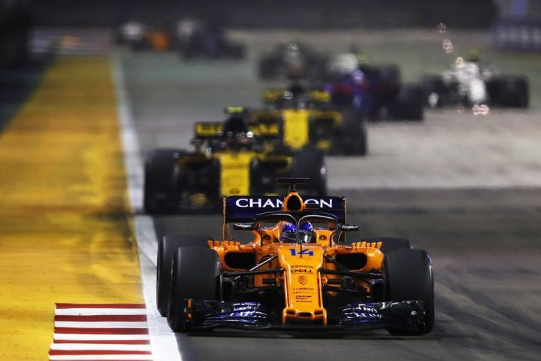 F1   アロンソ「一時は最速。ビッグ3チームに次ぐ7位はささやかな勝利と言える」:F1シンガポールGP日曜