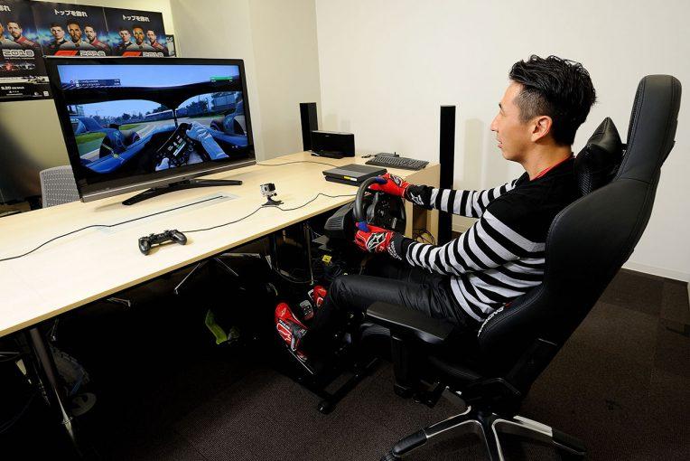 F1 | 【動画】松田次生、『F1® 2018』でハミルトンの鈴鹿レコードタイム『1分27秒319』に挑戦