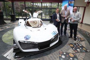 ACOはミッションH24を発表するとともに、水素燃料電池のプロトタイプを公開した