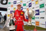 ニュルブルクリンクの3レースすべてで優勝したミック・シューマッハー