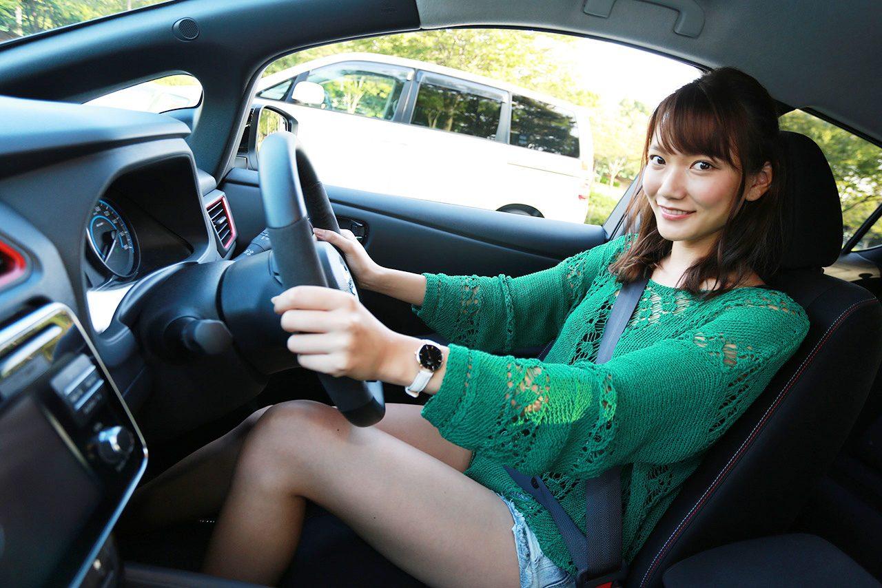 運転席のシートは体をしっかりと...