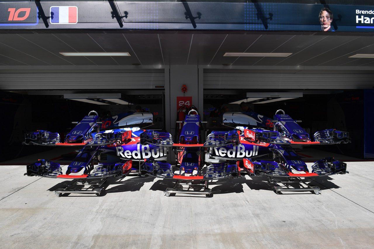 2018年F1第16戦ロシアGP木曜 トロロッソ・ホンダのガレージ