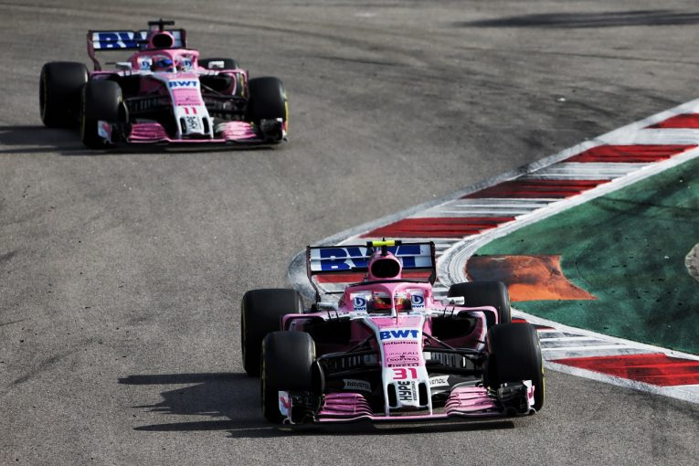 F1   ペレスとオコン、ともにハースを攻略できず「速さはあるのにどうしてもオーバーテイクできない」:フォース・インディア F1ロシアGP日曜