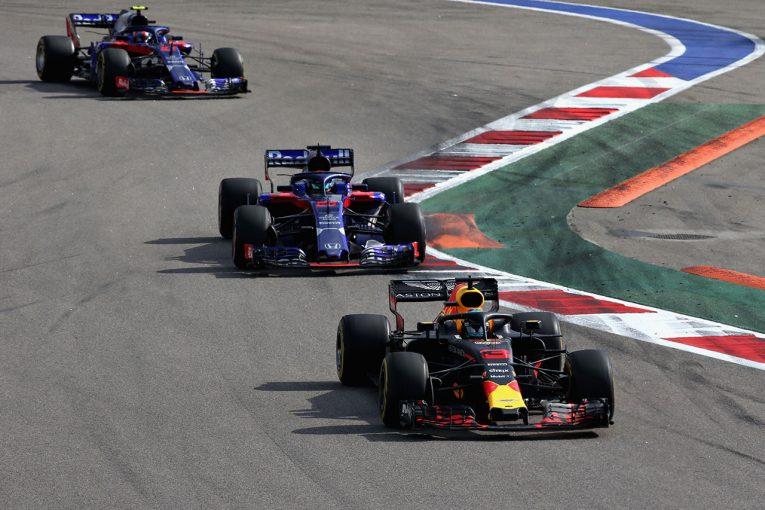 F1   F1ロシアGP決勝でデブリがガスリーに飛来。「破片が目の前に向かってきて本当に怖かった」