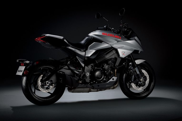 MotoGP | スズキ、新型カタナのインプレッション動画を公開。欧州での発売前に青木宣篤がライディング