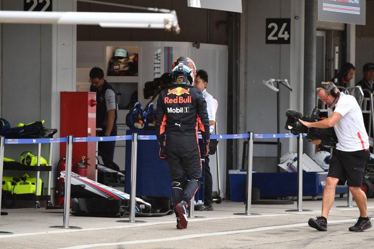F1 | リカルド、予選中のトラブルに怒りの咆哮「もううんざり。大事なレースがまた台無しに」:F1日本GP土曜