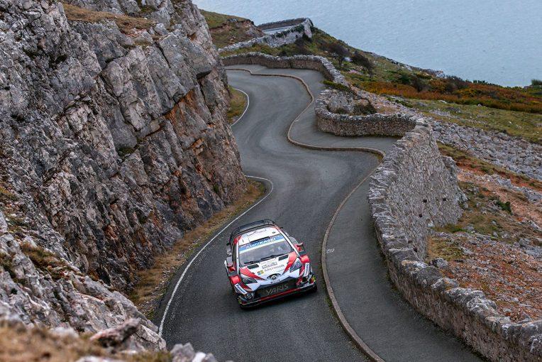 WRCラリーGBの最終SSが大会とは無関係の事故が起きた影響でスタートディレイとなっている