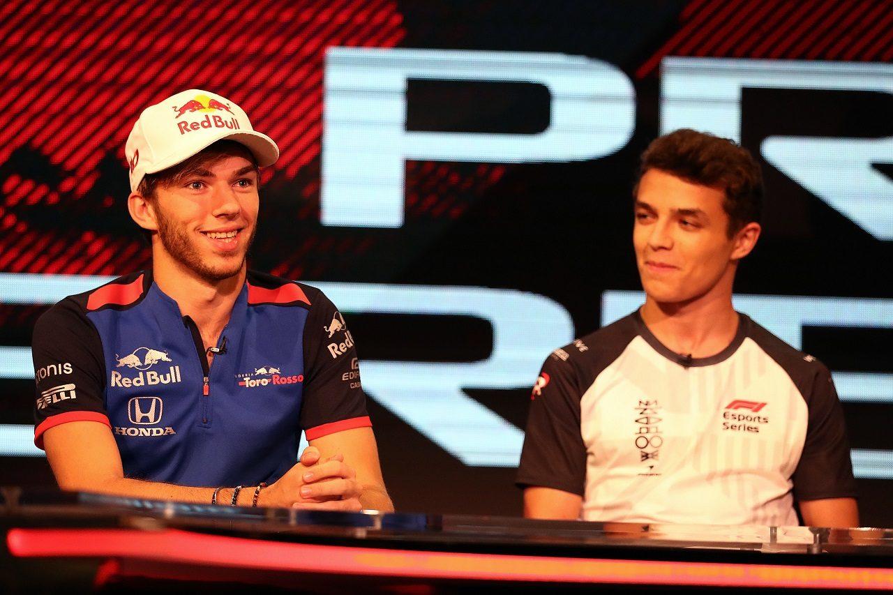 F1 Eスポーツ・プロシリーズ第1イベントにゲスト出演したピエール・ガスリーとランド・ノリス