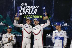 優勝した91号車ポルシェのケビン・エストーレ、ミハエル・クリステンセン