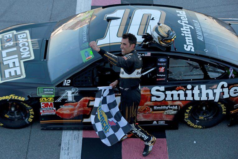 海外レース他 | NASCAR第31戦:最終周にドラマもフォード陣営がレース支配。トヨタは4位が最上位