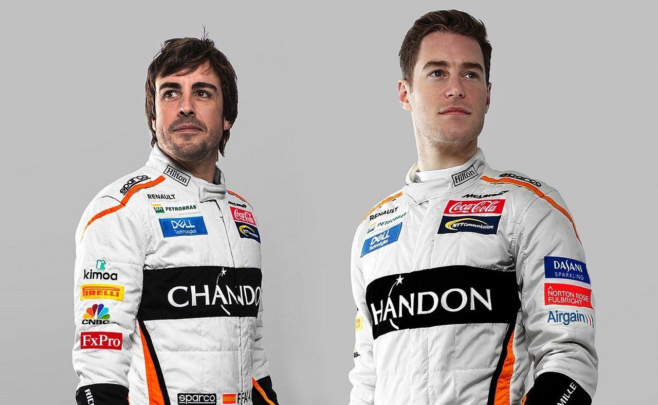2018年F1第18戦アメリカGP フェルナンド・アロンソとストフェル・バンドーン(マクラーレン)のレーシングスーツにコカ・コーラのロゴ