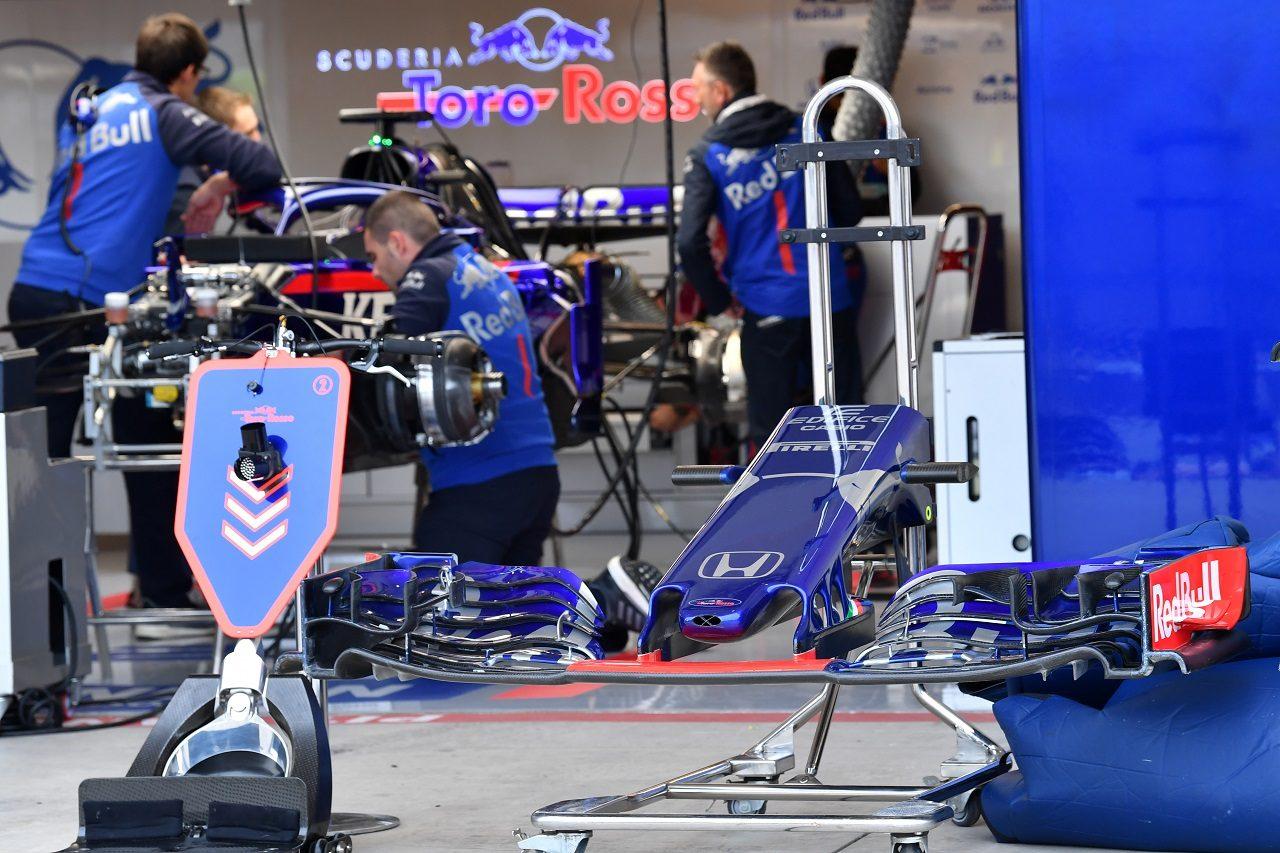 2018年F1第18戦アメリカGP木曜 スクーデリア・トロロッソのガレージ
