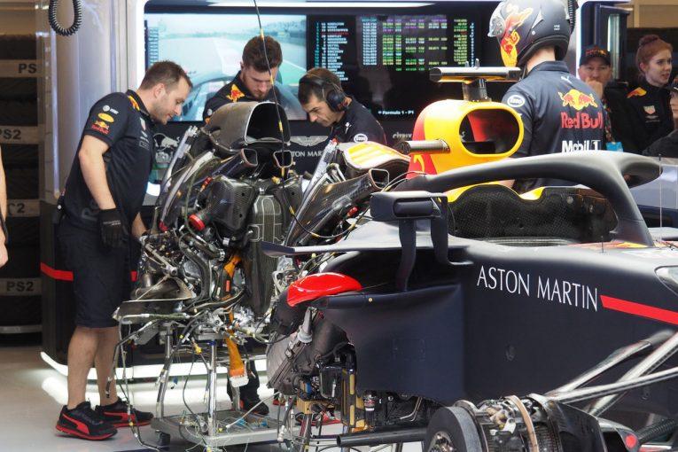 Blog | 【ブログ】レッドブルの作業現場でルノー製PUをチラ見/F1アメリカGP現地情報1回目